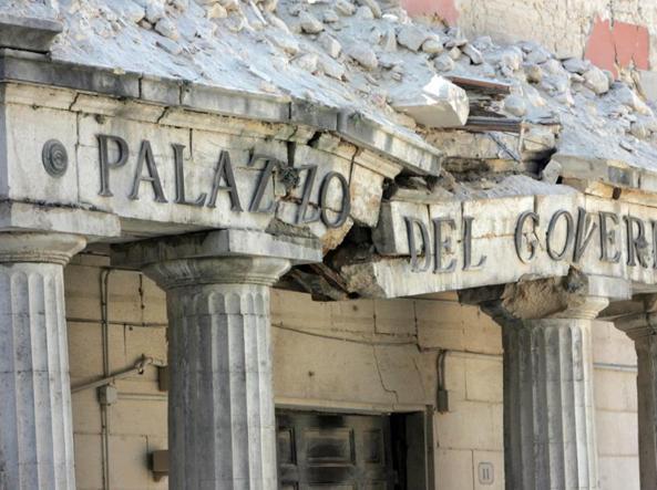 L'Aquila 2009-2019 – La scuola è ancora in moduli provvisori: 'Nei container di lusso lavoriamo per mantenere la comunità'